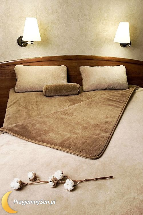 ekskluzywna we niana z camela merynosa lamy alpaki i kaszmiru. Black Bedroom Furniture Sets. Home Design Ideas